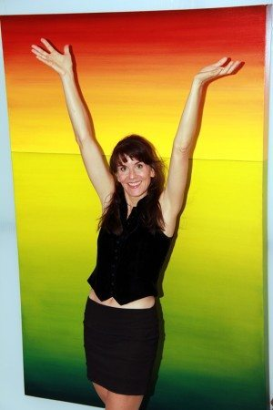 Leanne-in-Gallery-hands-up_Optimized-for-WEB-96percent_667x1000pix_IMG_3928corrected